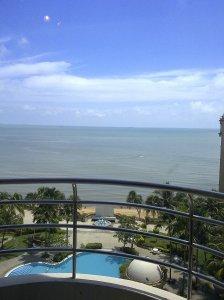 Everly Resort Hotel